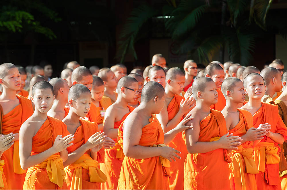buddhism young monks thailand